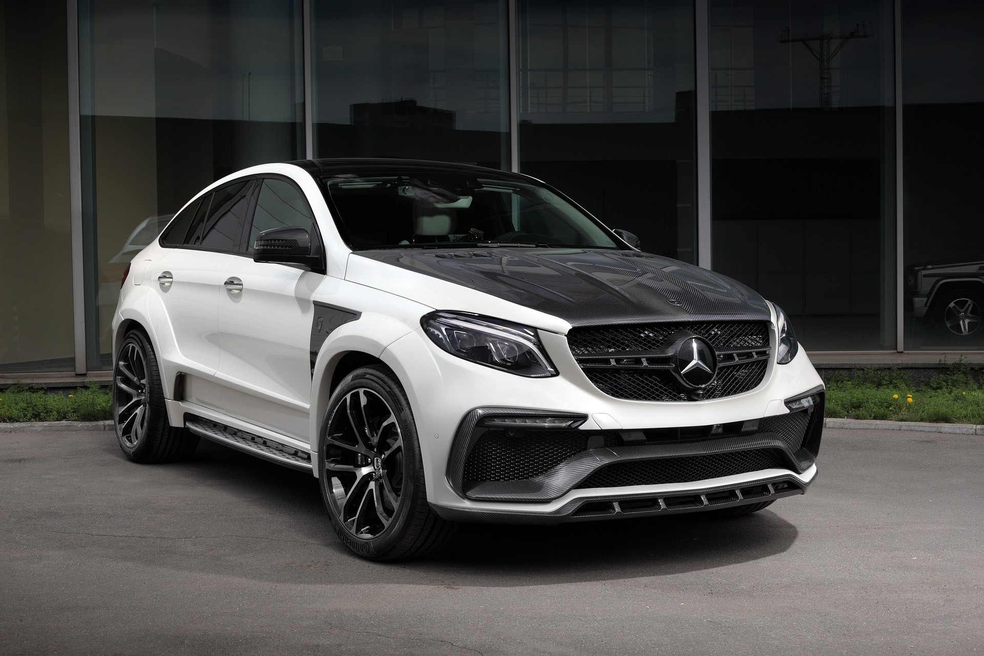Mercedes-Benz GLE Coupe INFERNO WHITE. Carbon.